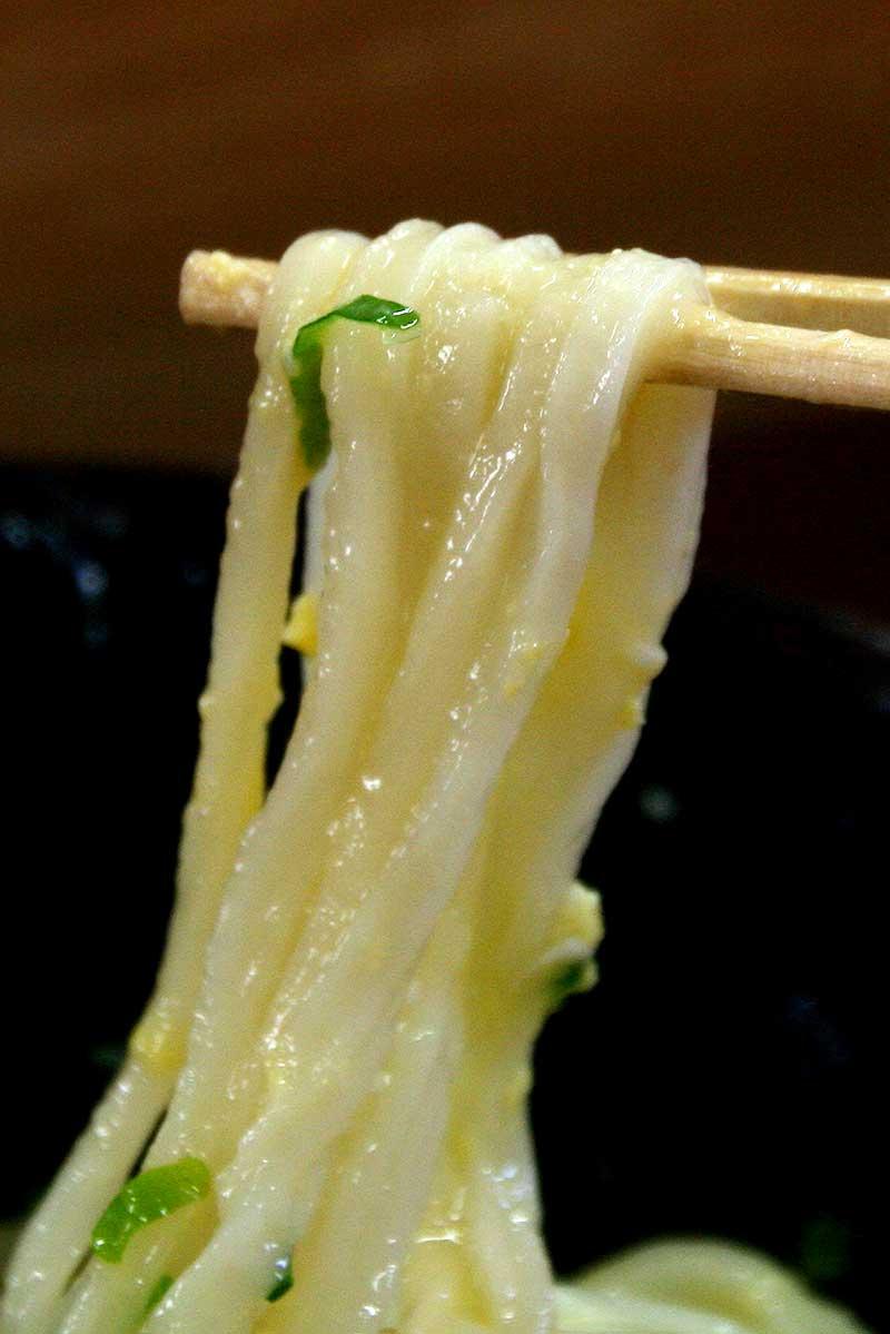 なかむらの麺(釜玉うどん)