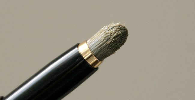 油絵用の筆のように荒いM100-type
