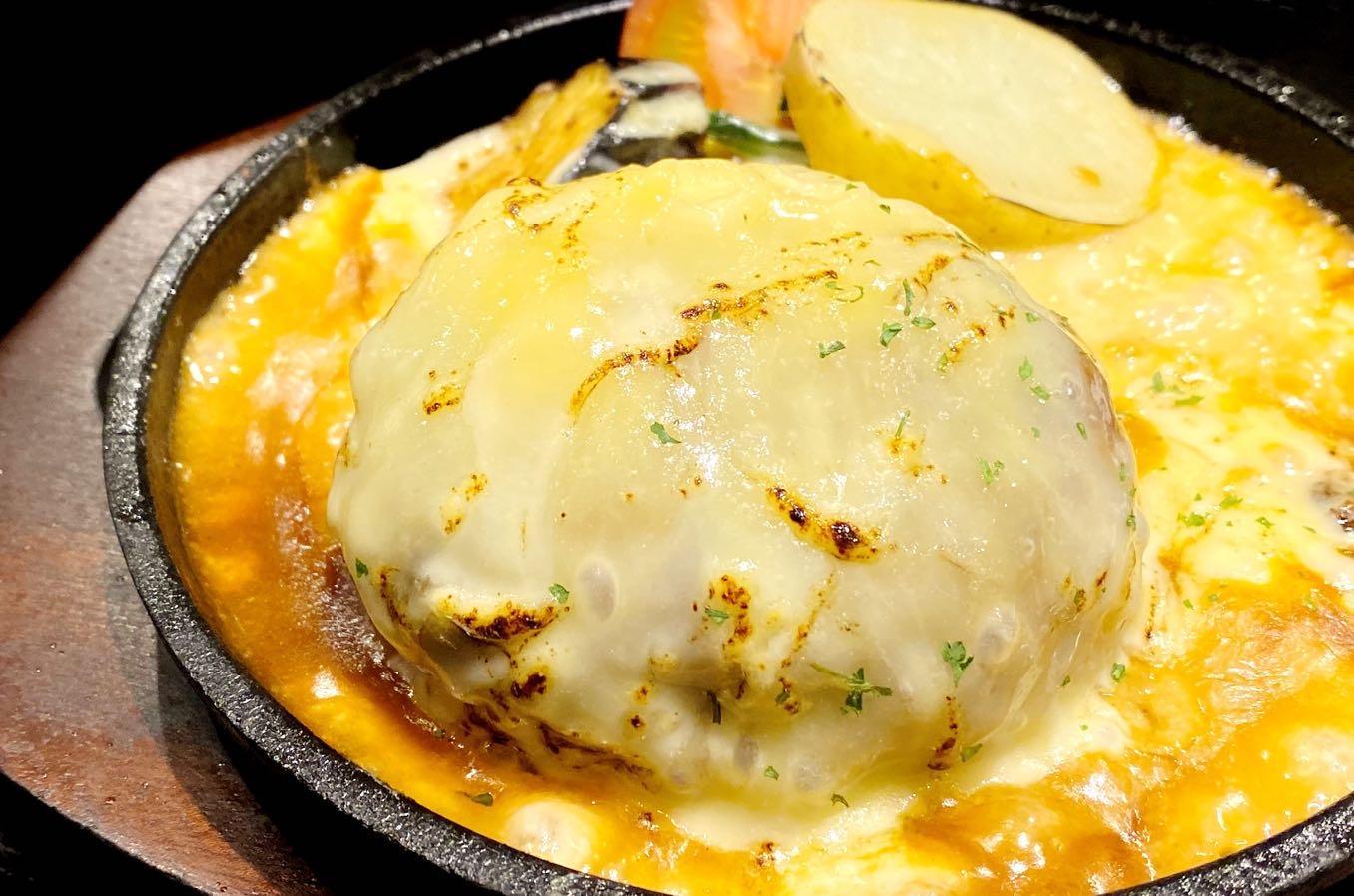 チーズinハンバーク+トッピングでチーズ