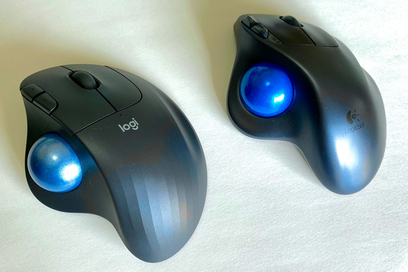左側が「M575」で、右側が旧製品
