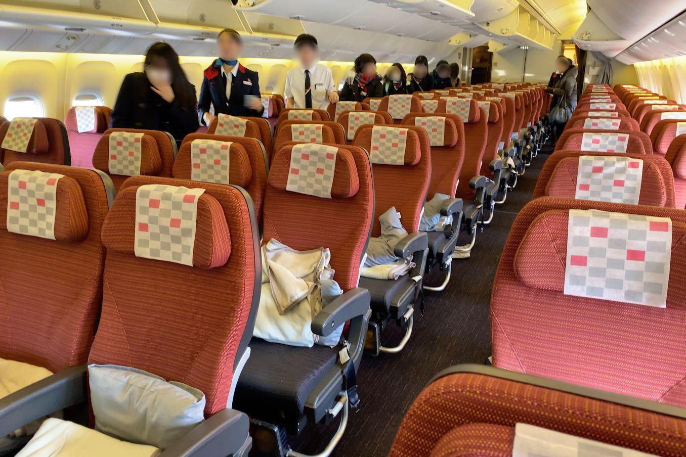 JAL機内のエコノミークラス