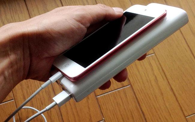 iPod touchを充電している状態