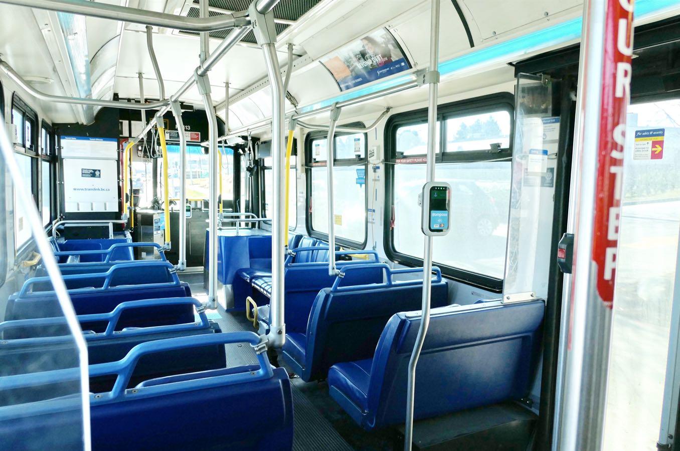 カナダのバスは一定の金額