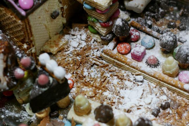 粉砂糖で雪を表現