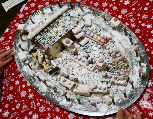 お菓子の家~お庭の全体像です