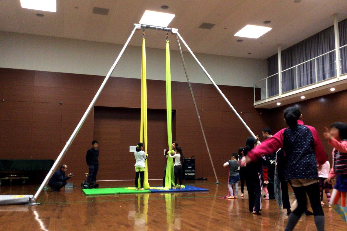 香川で開催されたエアリアルティシューワークショップの様子