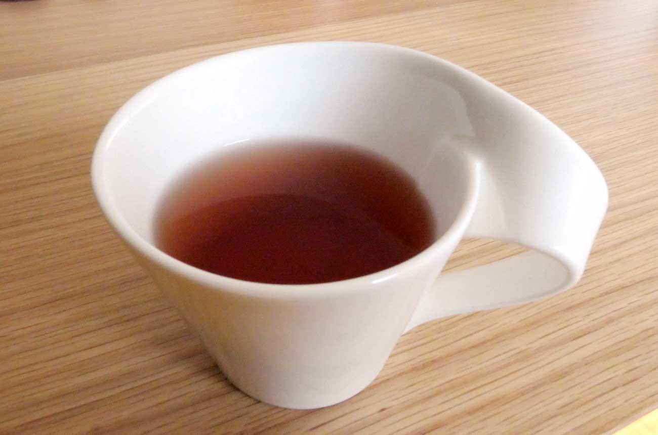 紅茶を飲みながら