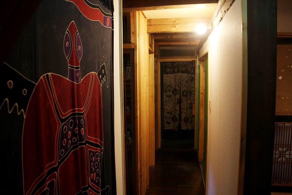 コテージ内の廊下