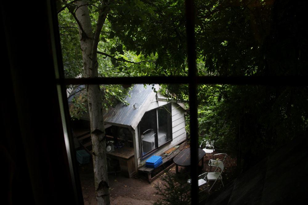 2階の洋室の窓からの風景