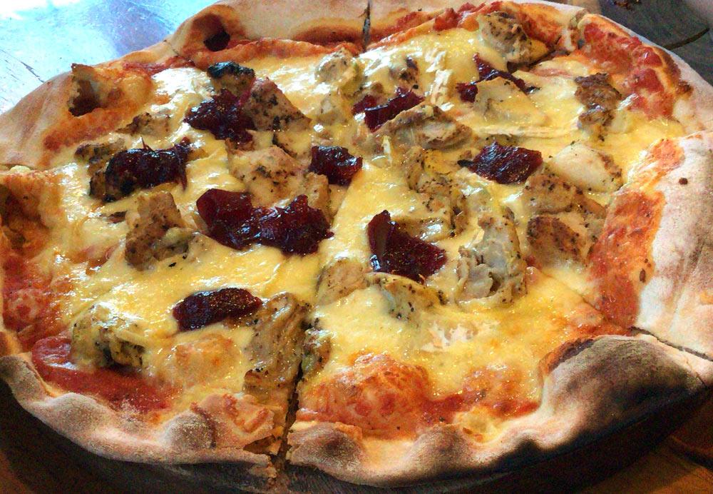 チキンとクランベリーのピザ