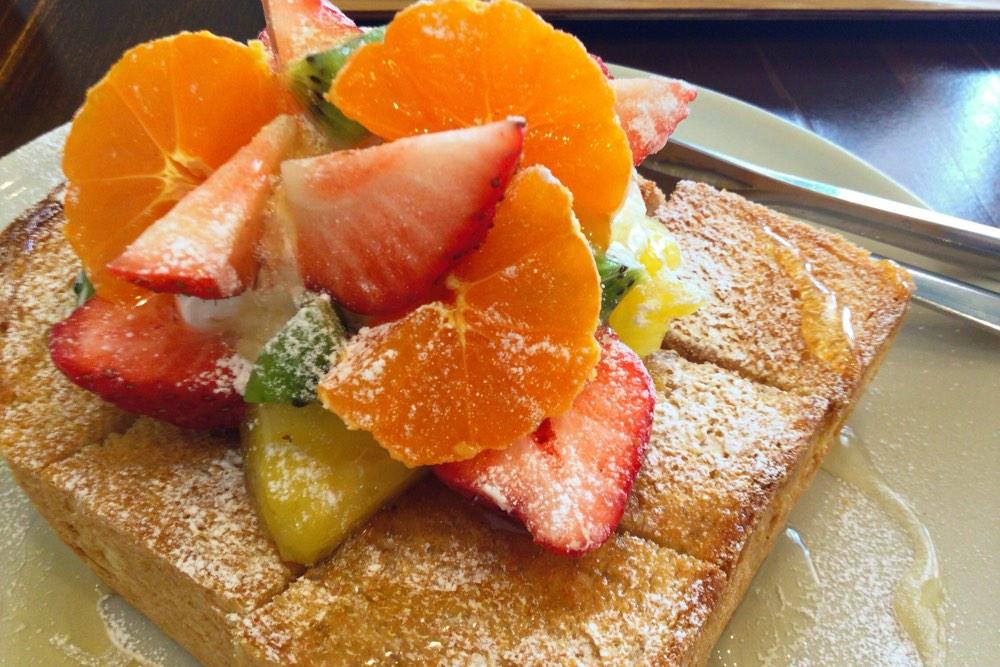 季節のフルーツハニートースト