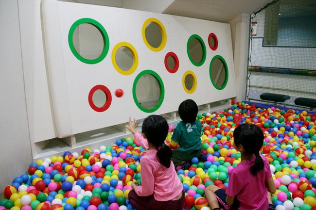 4歳以下の子優先のボールプール
