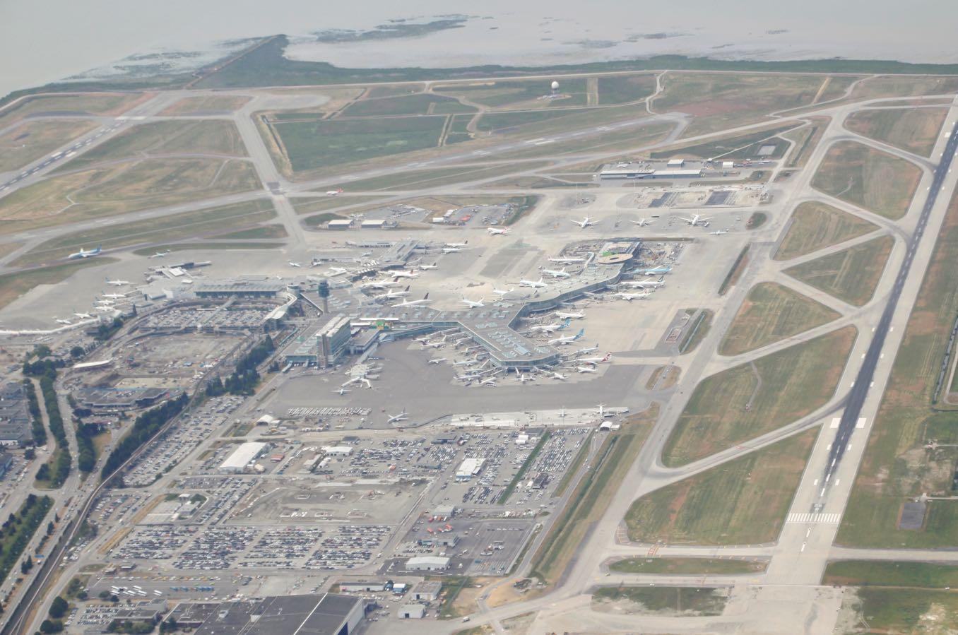バンクーバー国際空港が見える