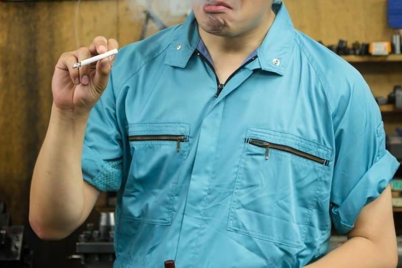 職場でタバコを吸いまくれる会社