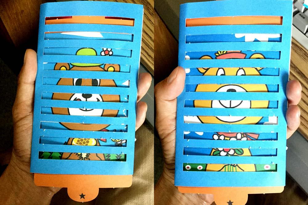 クマさんの2つのイラストが切り替わるおもちゃ
