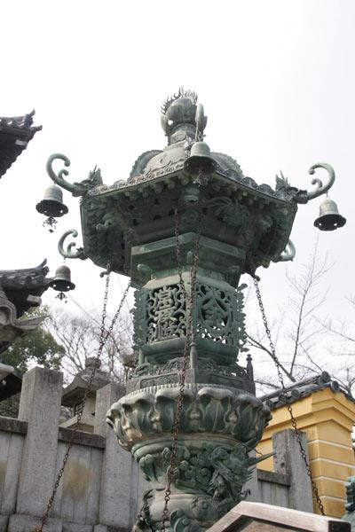 重要有形民俗文化財「青銅大燈籠」