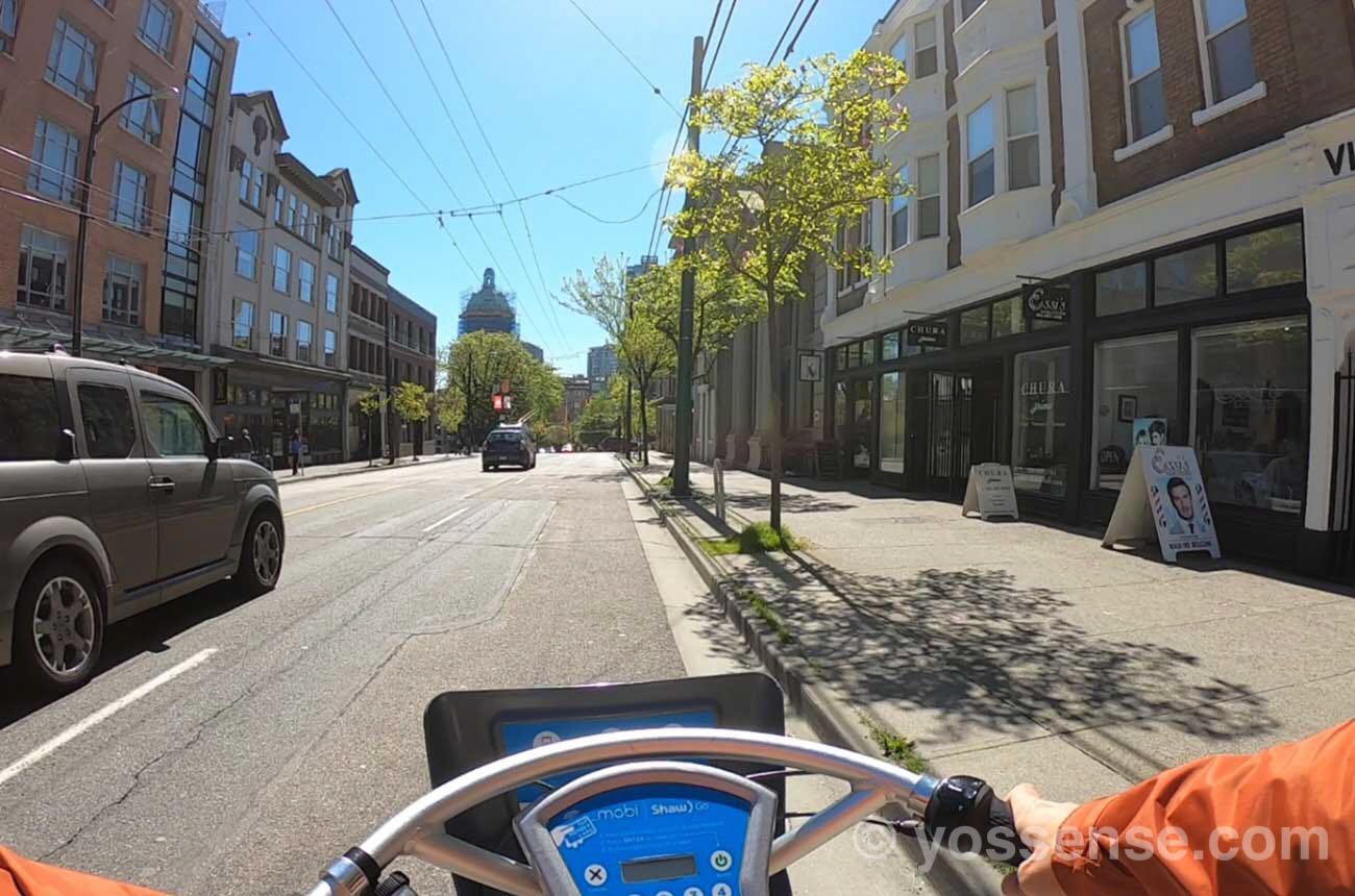 自転車も車道を進む