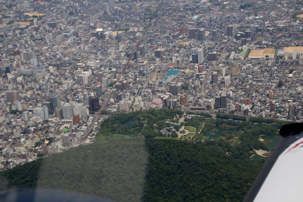 飛行機から見る高松市