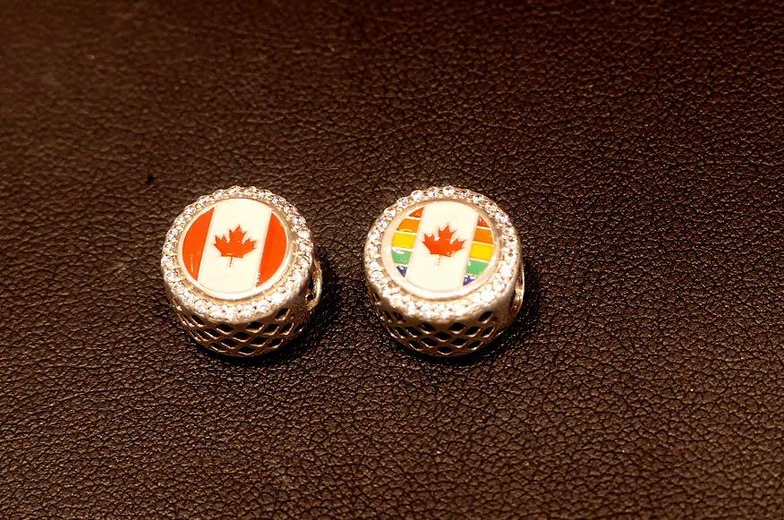 カナダ限定のチャーム2