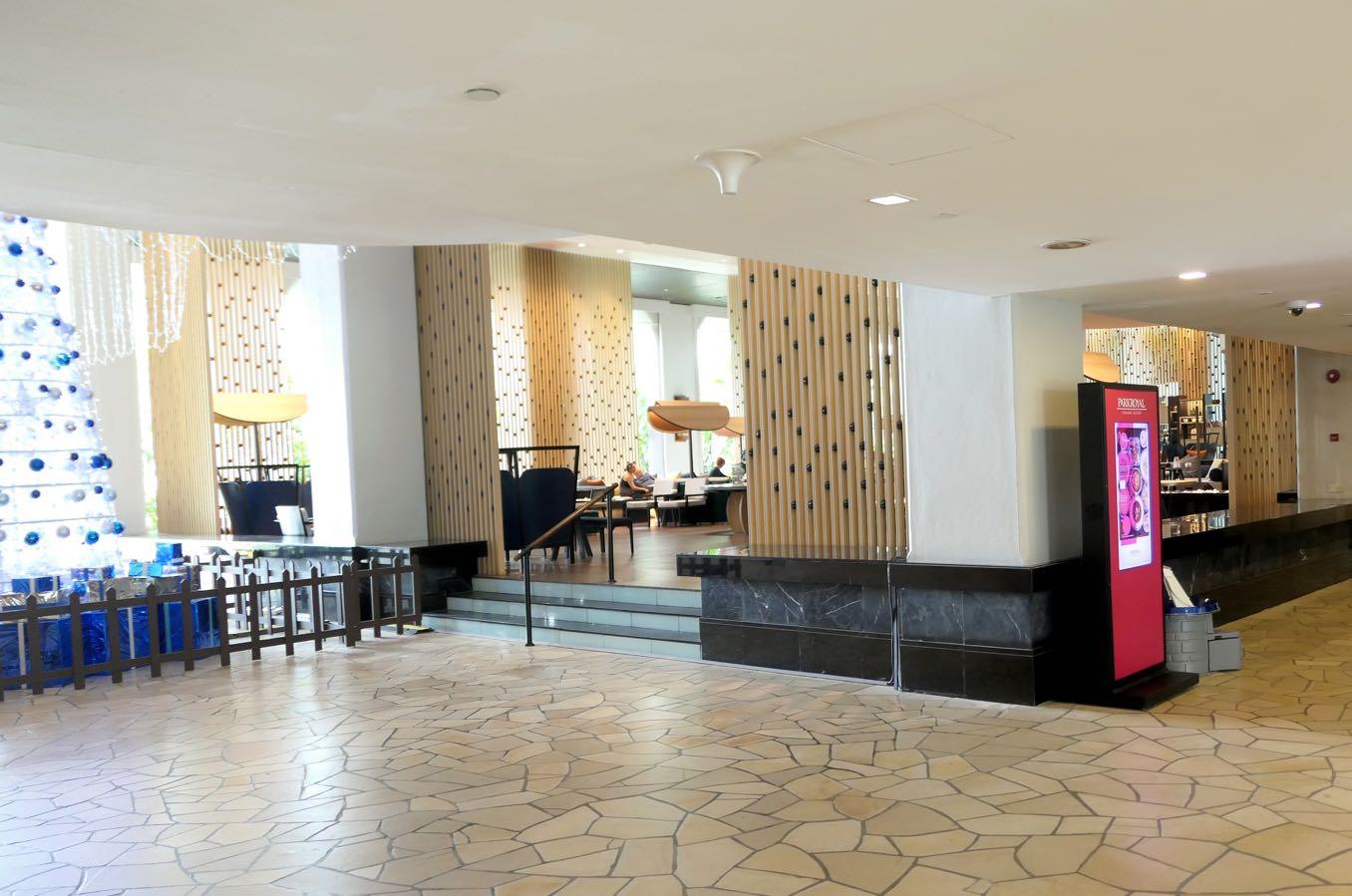 ホテルに入ってすぐの風景