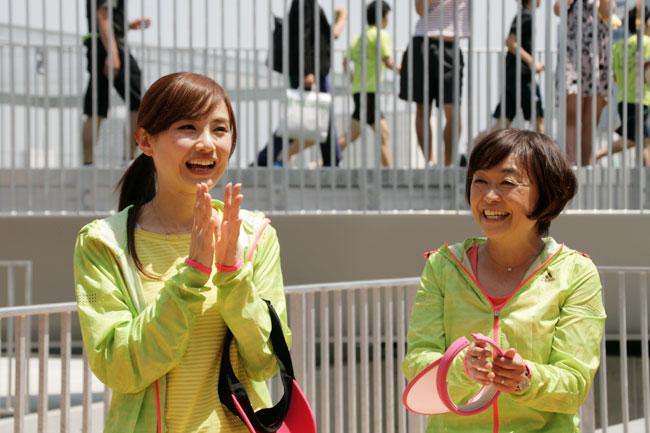 左: 湯田友美 選手・右: 増田明美 選手