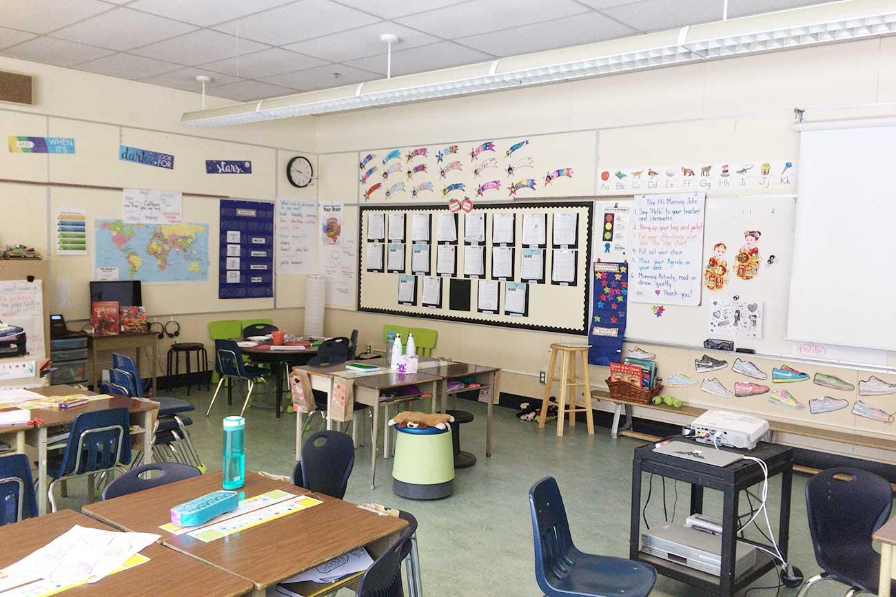 教室の風景(低学年)