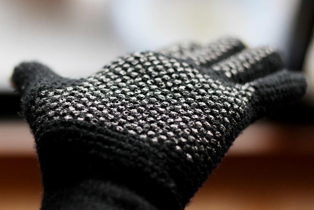 フリック入力手袋のすべり止めがすごい