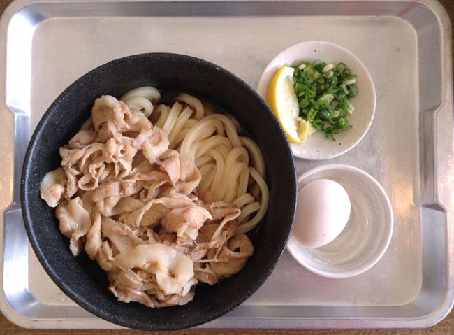 1日15食限定の「肉ぶっかけ」