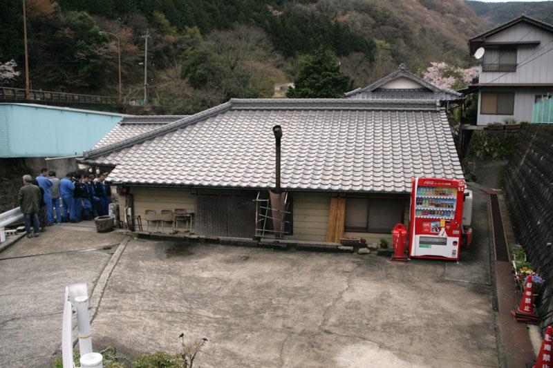 この建物が「谷川米穀店」です