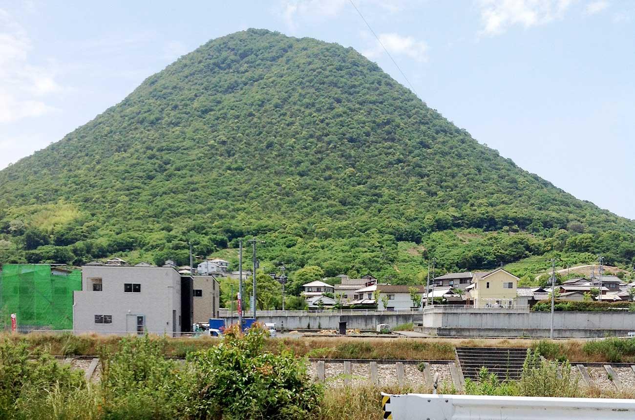 飯野山(讃岐富士)を臨むロケーション