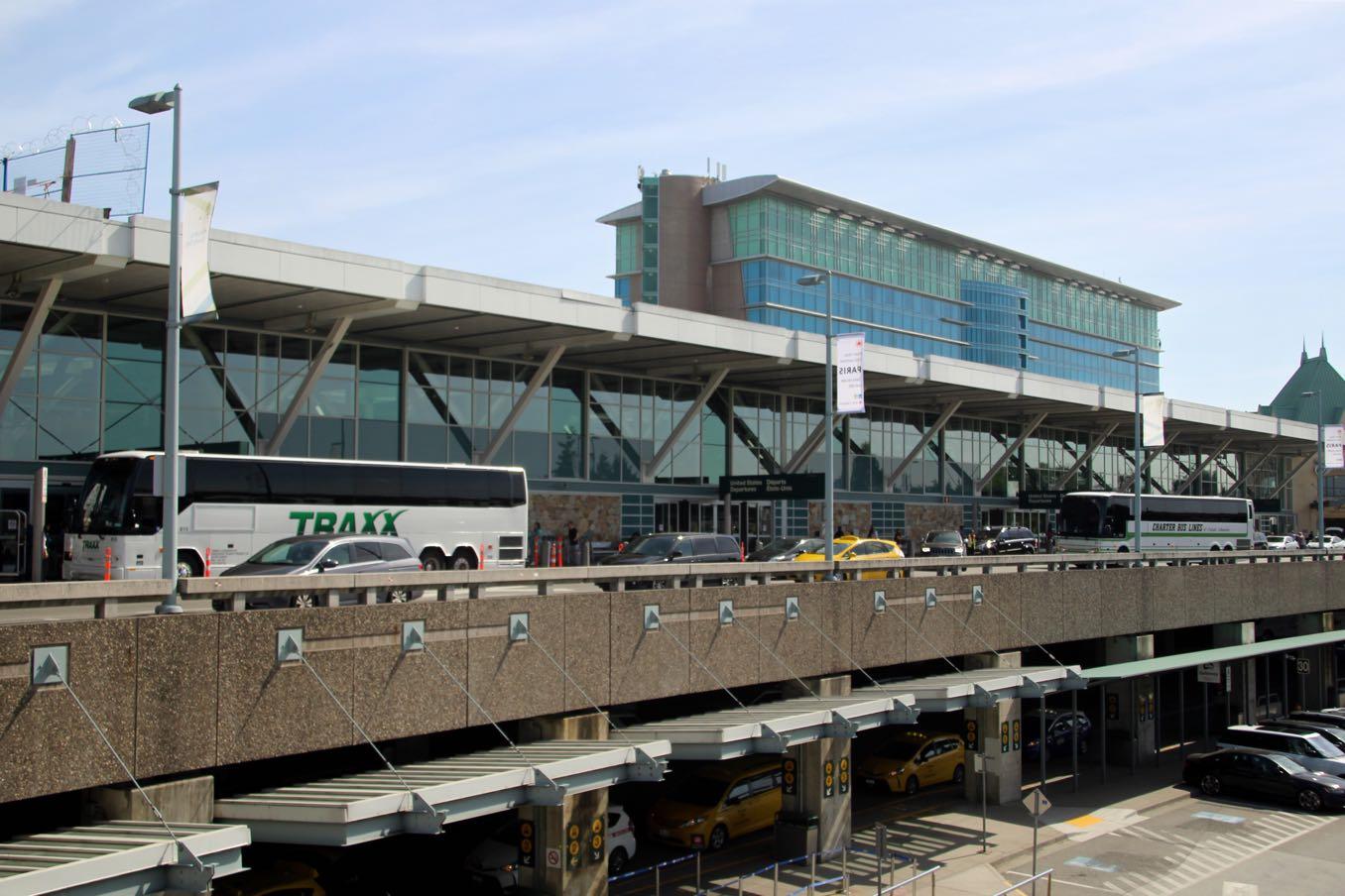 YVR(バンクーバー国際空港)