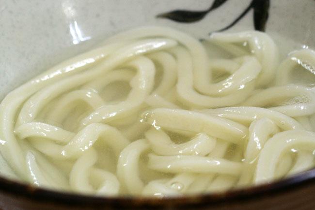 釜あげうどんの麺