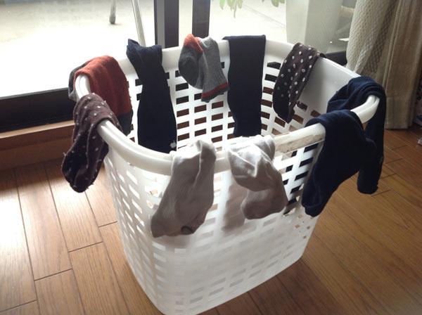 効率の良い靴下の干し方
