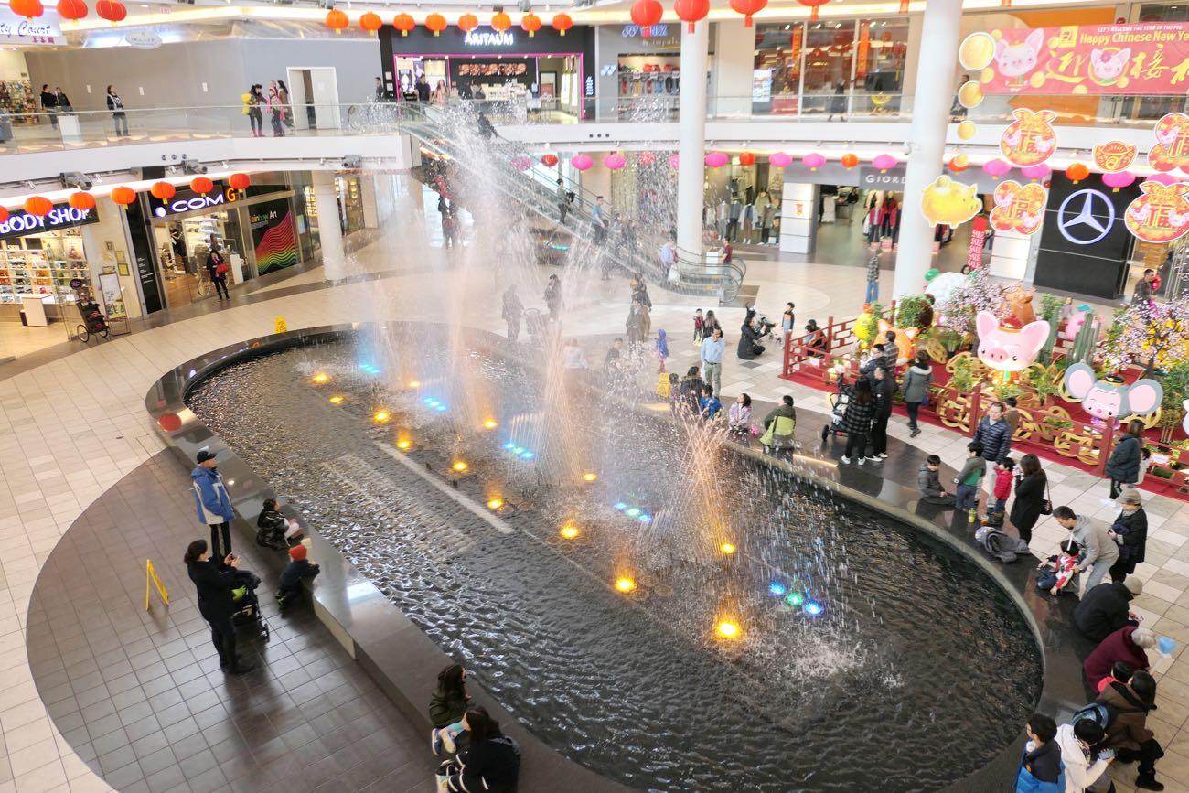ライトアップと水の芸術