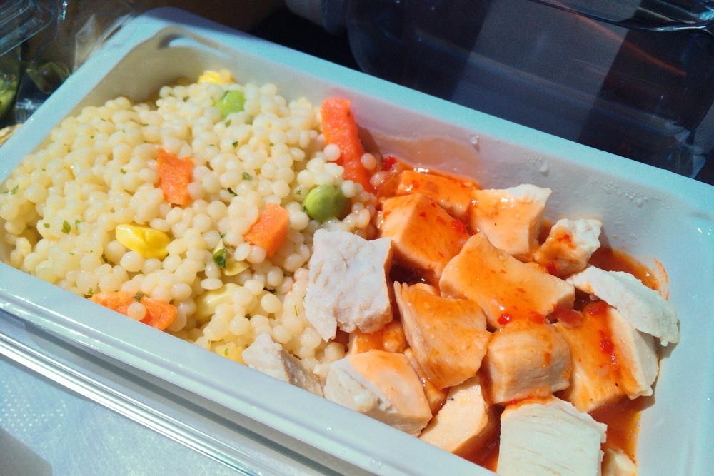 バンクーバーから成田に向かう飛行機の中での食事