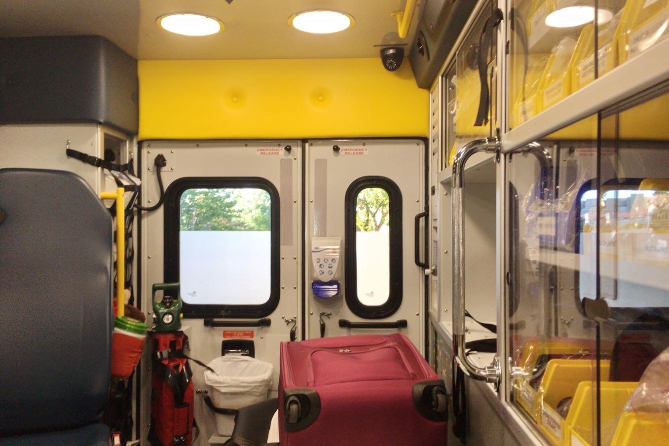 カナダの救急車の中2