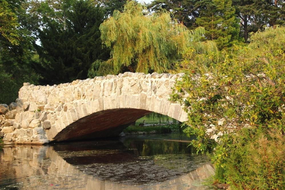 ビーコンヒルの石橋