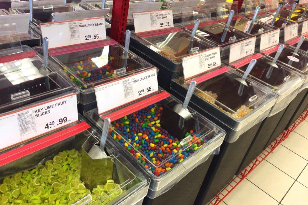 マーブルチョコなどのお菓子