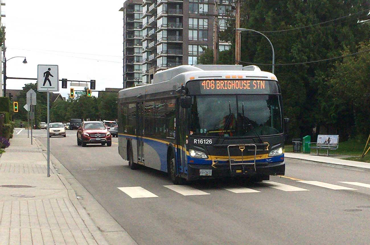 バスの前のところに自転車を設置できる