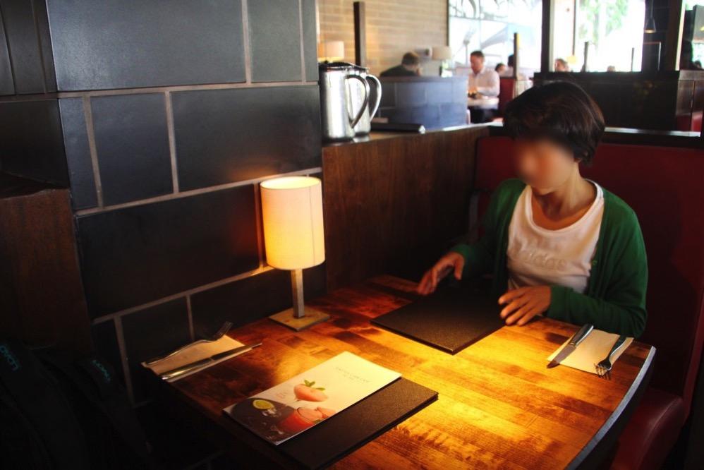 Cactus Club Cafe店内のテーブル