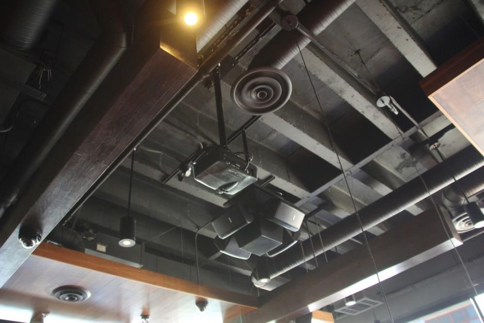 店内の天井もオシャレ