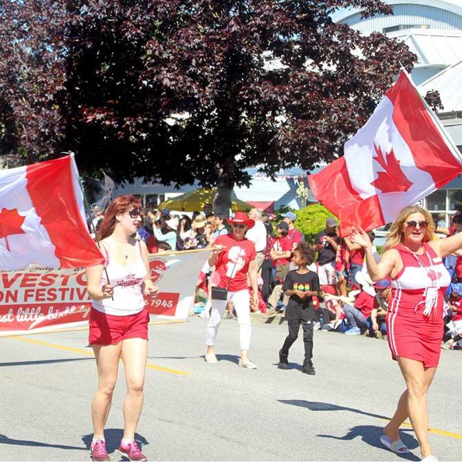 [カナダ]スティーブストン開催のサーモンフェスティバルに参加! カナダ・デーは超楽しい1日です