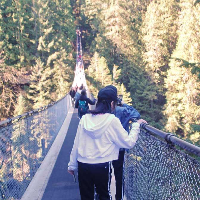[カナダ] キャピラノ吊り橋(Capilano Suspension Bridge)は橋・木の上・森林・崖を楽しめます!