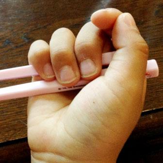 正しいお箸の持ち方とは? 高校のときに1日で直せたというお話