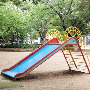 公園で子どもを見てるパパに気をつけてほしい5つのこと