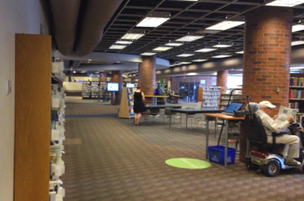 図書館の中の雰囲気