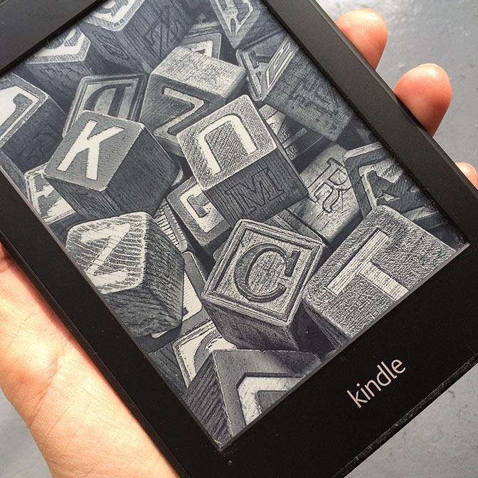 [キンドル比較] Kindle、Paperwhite、Oasisといろいろあるけどどれがいいの?