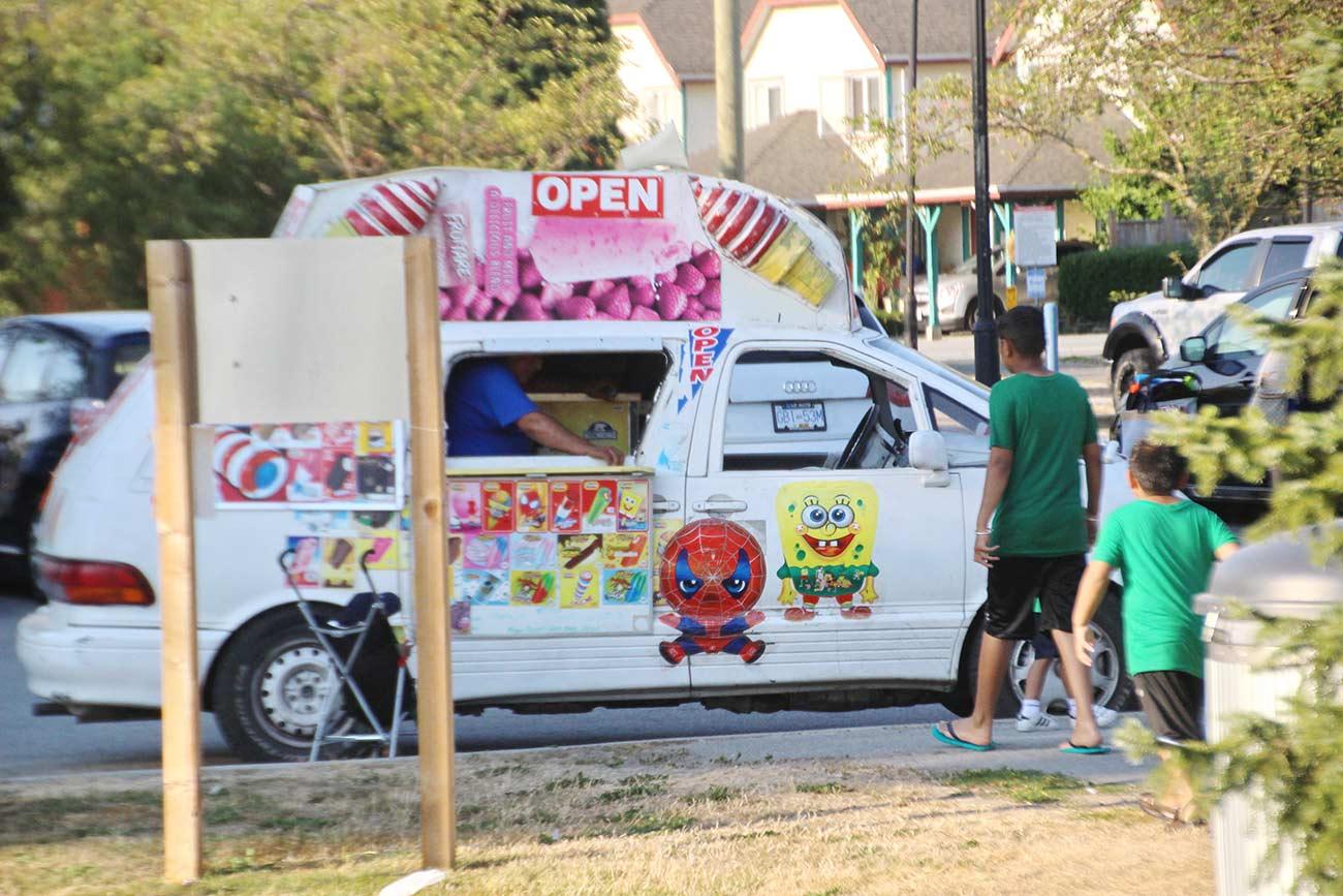 アイスクリーム屋さんも来てた
