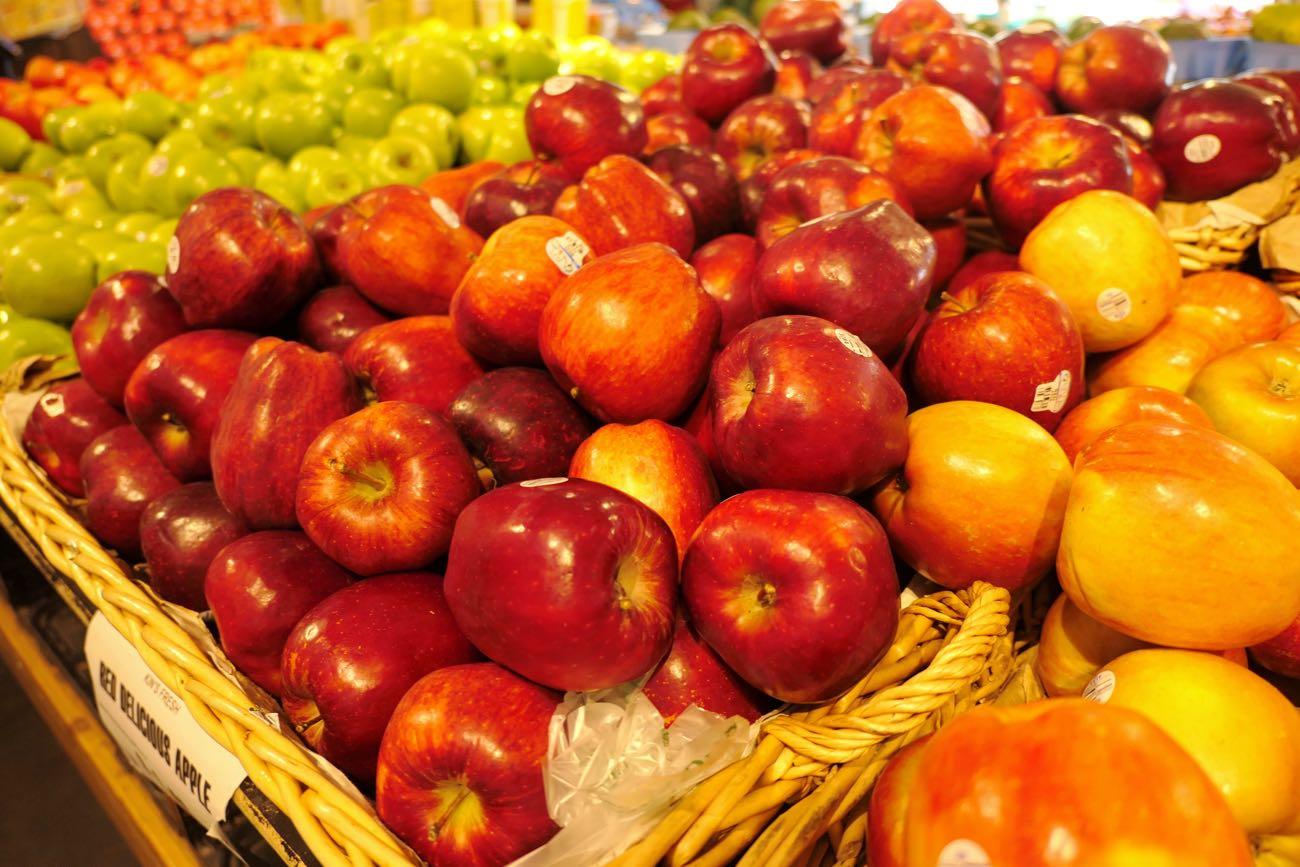 リンゴの山積み