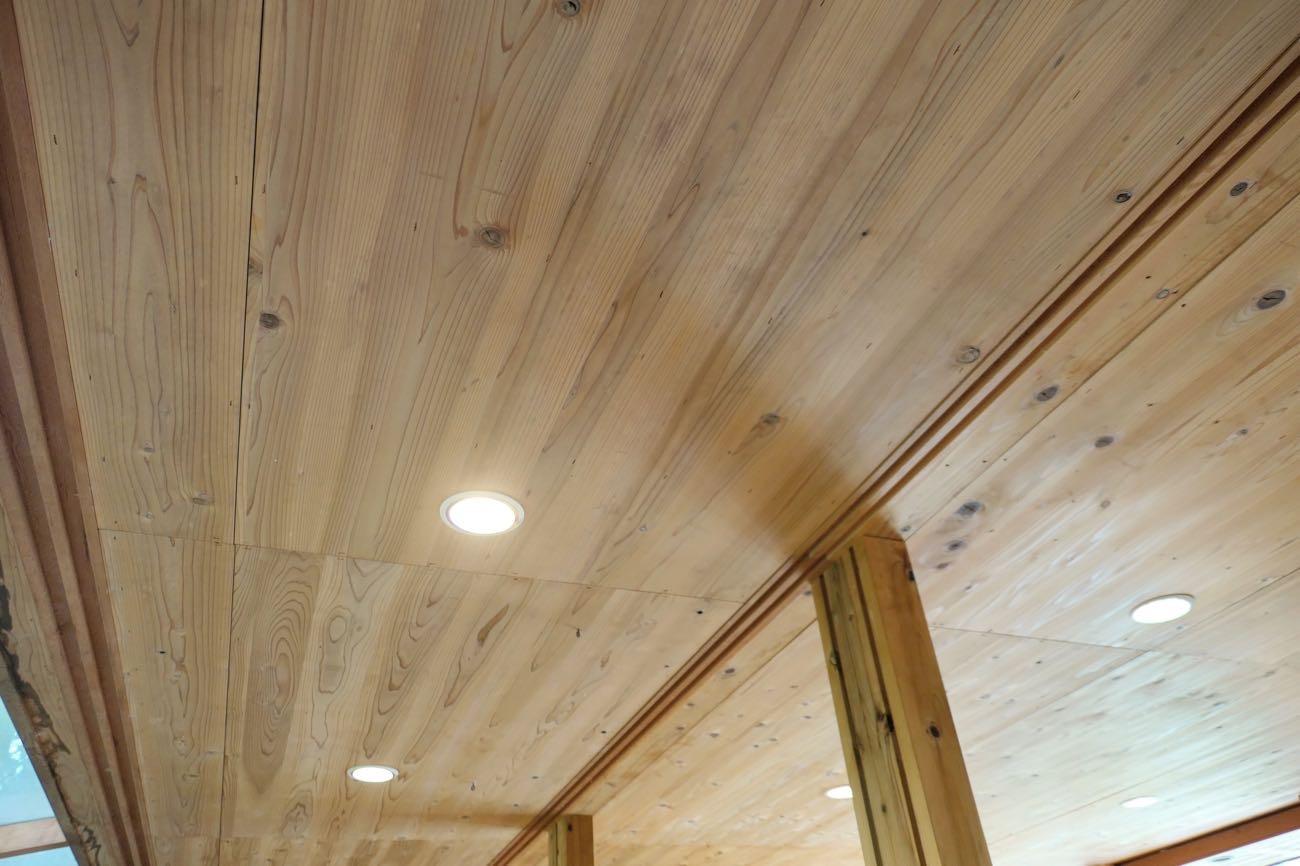 キトクラスカフェの天井